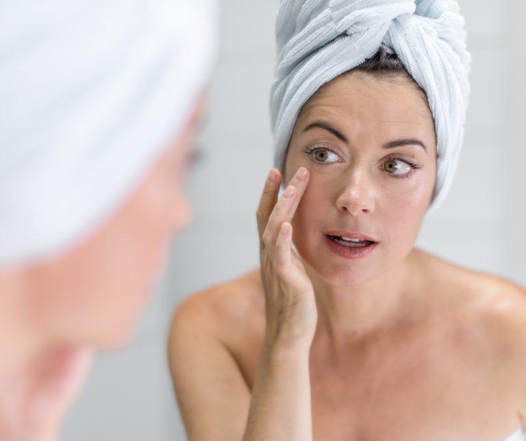 Read more about the article Navlažimo izušeno kožo zaradi sončenja in preprečimo gube in staranje